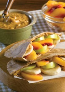 Peachy_Peanut_Butter_Pita_Pockets_720_t607